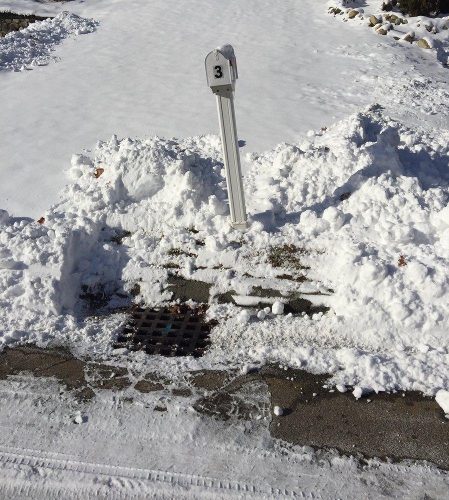 E T Professional Snow Services: 4 Vinal St, Hudson, MA