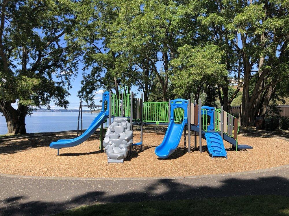 Sunnyside Beach Park: Chambers Creek Rd, Steilacoom, WA