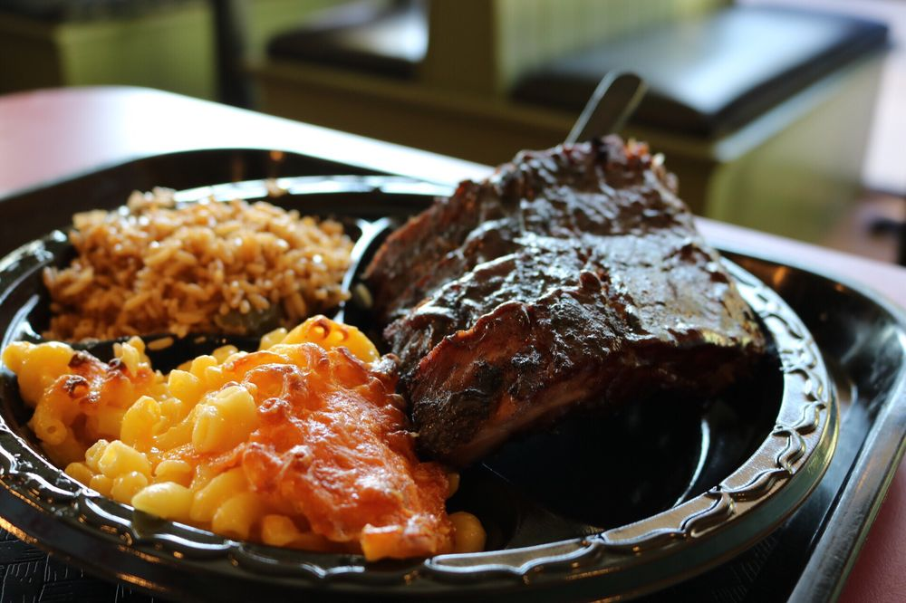 Food from Tennessee's Real BBQ  Real Fast