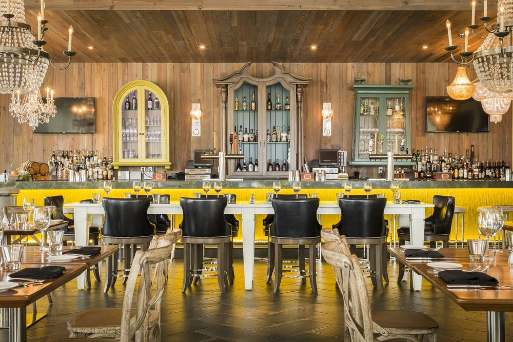 Élevé Rooftop Restaurant & Lounge