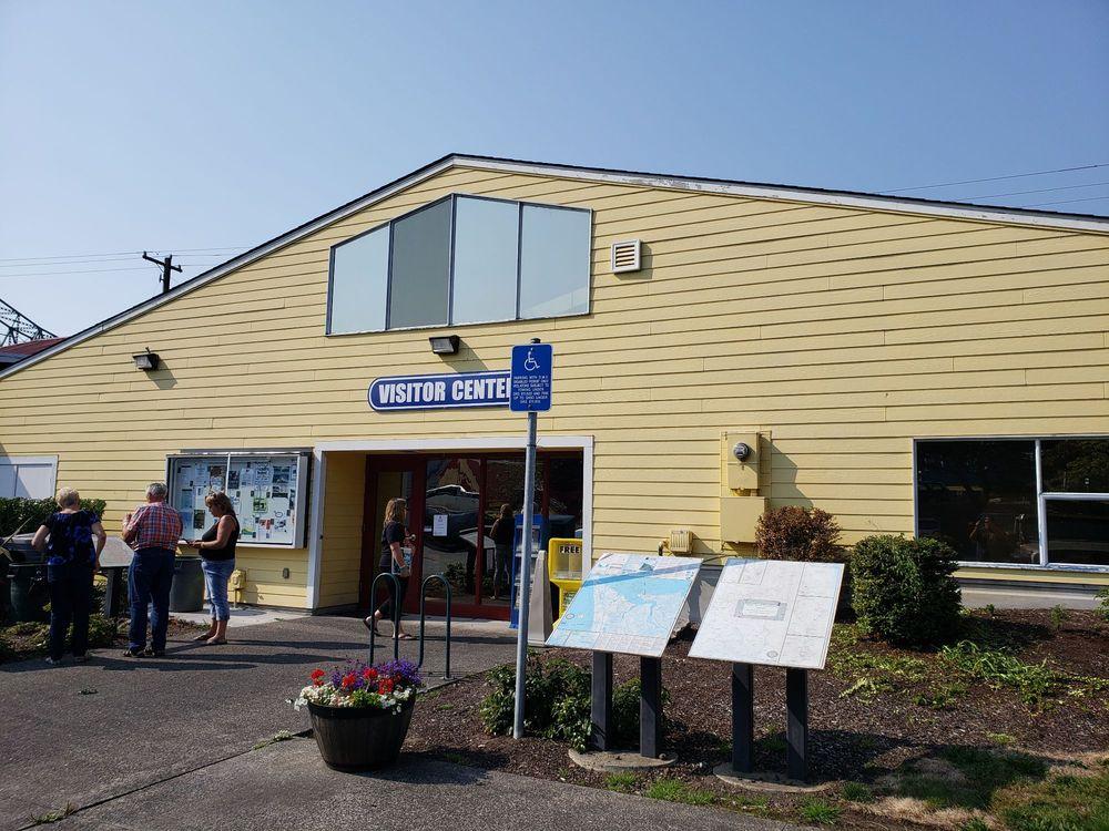 Astoria Warrenton Area Chamber of Commerce: 111 W Marine Dr, Astoria, OR