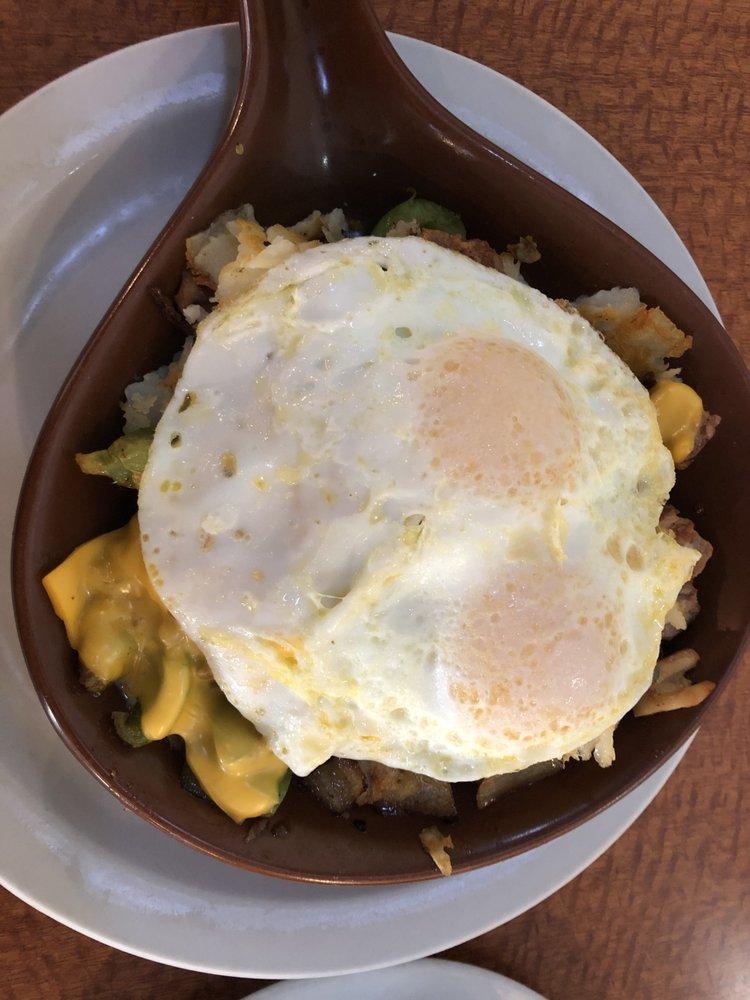 Savannah Family Restaurant: 302 N S US Hwy 71, Savannah, MO