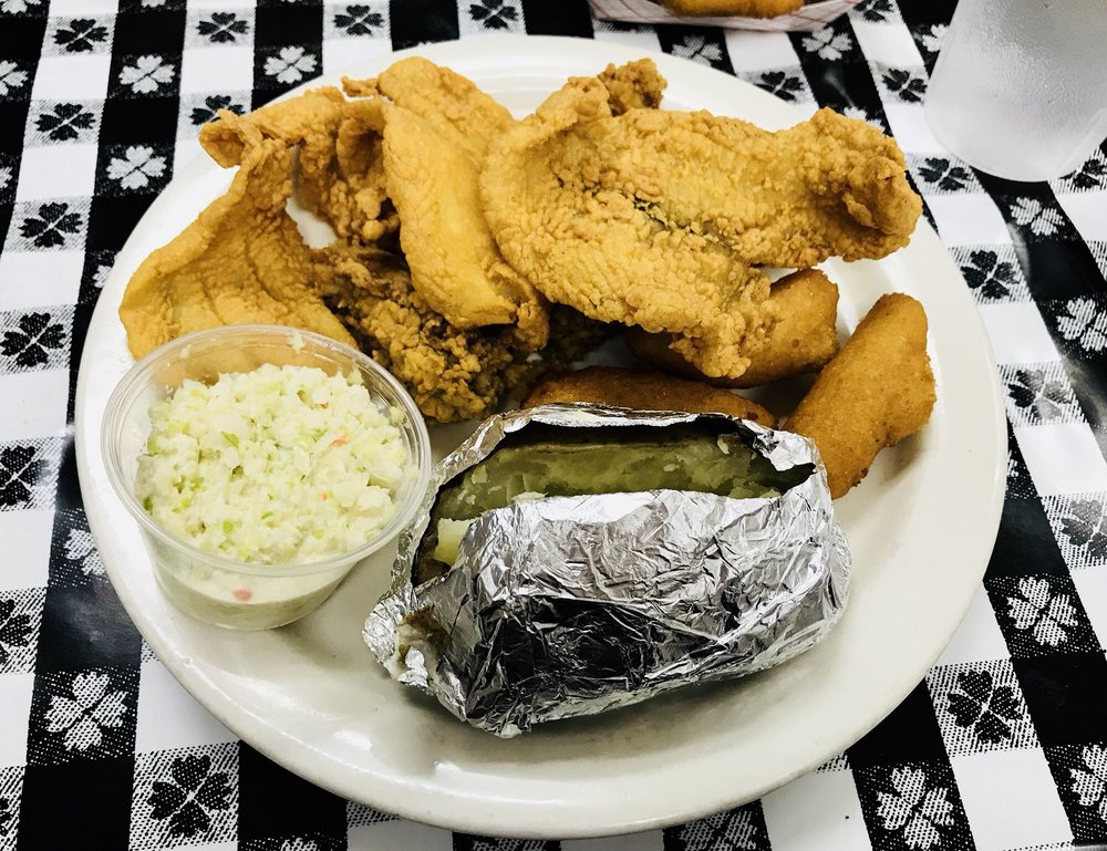 Colonial Fish Camp: 1607 Cherokee Ave, Gaffney, SC