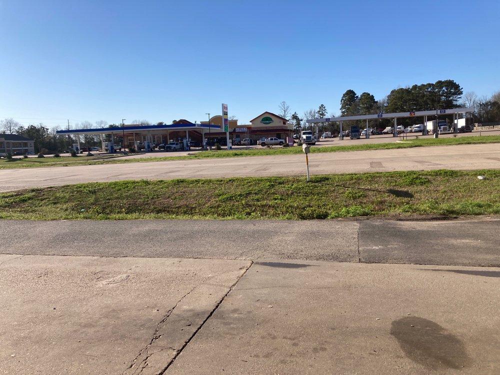 Panola Pines Plaza: 2360 Se Lp, Carthage, TX
