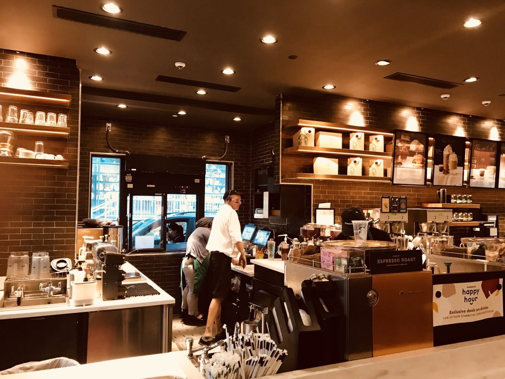 Starbucks: 44735 Thorndike Street, Ashburn, VA
