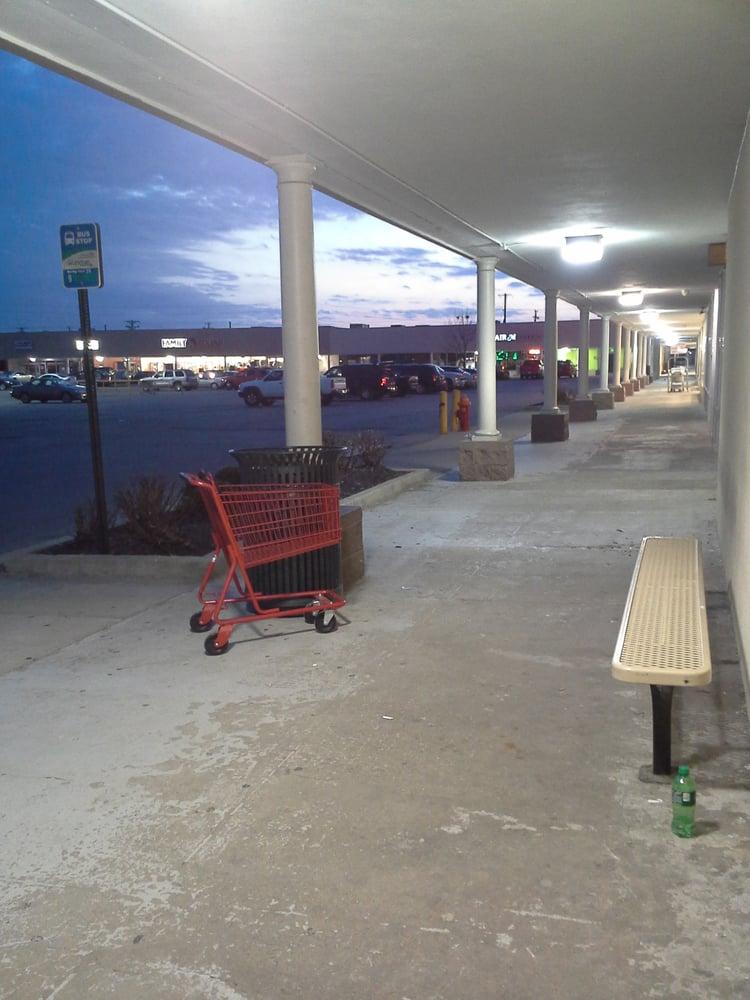 Lextran Bus Stop 24: Eastland Shopping Ctr, Lexington, KY