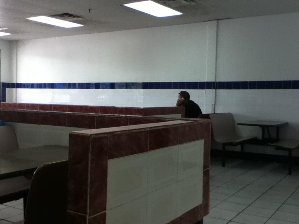 La Muralla China: La Fuente Town Center, Guayama, PR