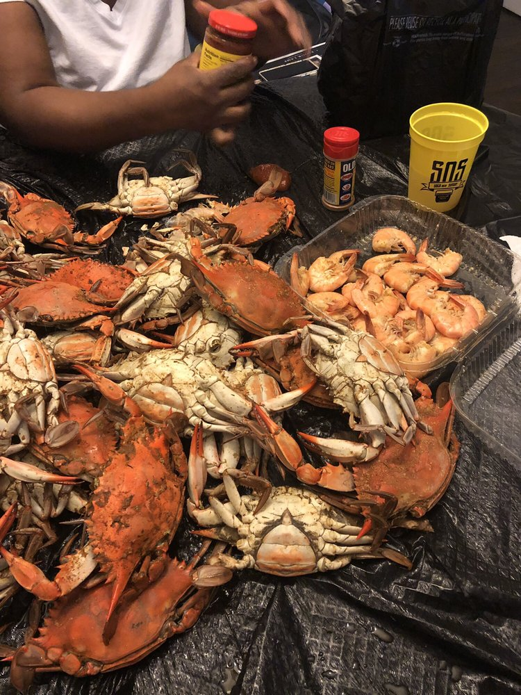 Edwards Seafood: 7903 Central Ave, Capitol Heights, MD