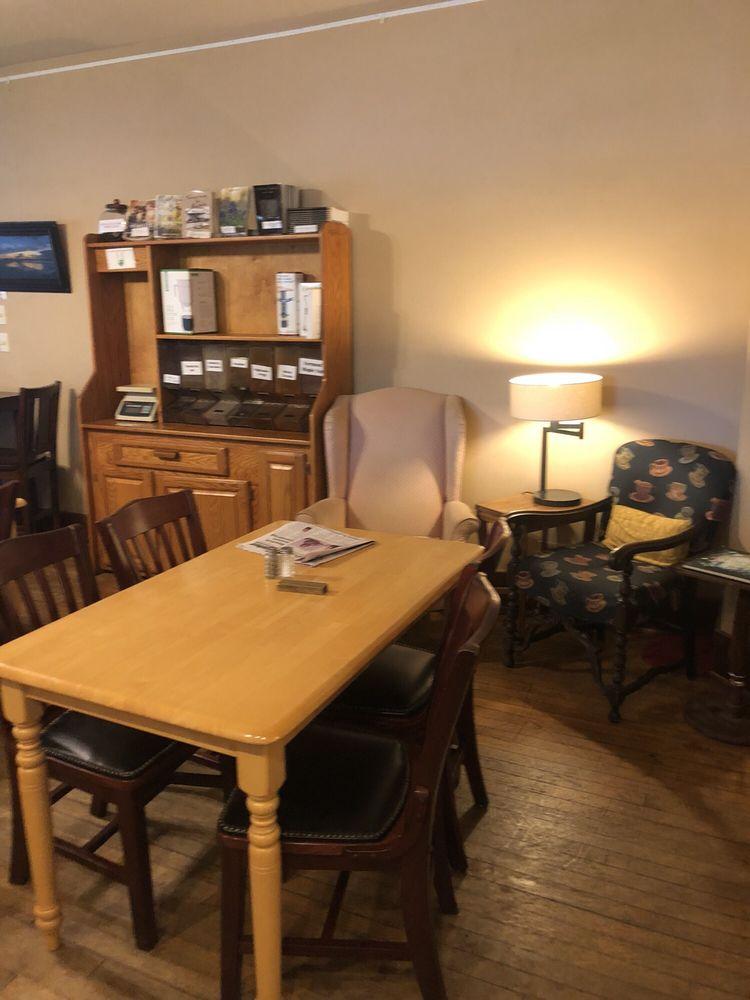 College Hill Coffee: 403 Soward St, Winfield, KS