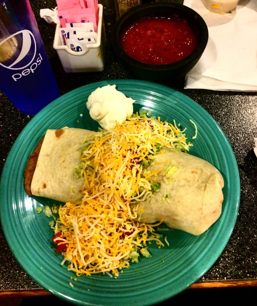 Ernesto's Mexican Food: 200 N Central Ave, Parsons, KS
