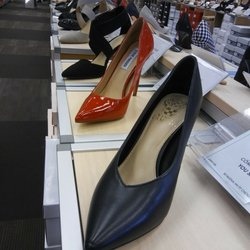 aa4744ae0056 DSW Designer Shoe Warehouse - 19 Photos   32 Reviews - Shoe Stores - 16920  South West 72nd Ave