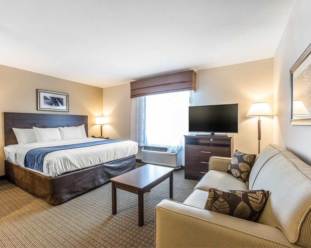 MainStay Suites Cartersville - Emerson Lake Point: 146 Old Allatoona Rd SE, Emerson, GA