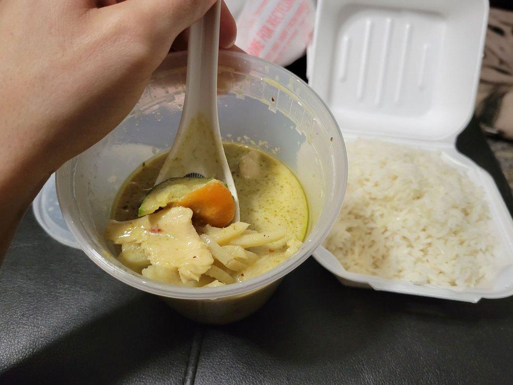 Absolute Thai & Noodles: 2221 S Ferdon Blvd, Crestview, FL