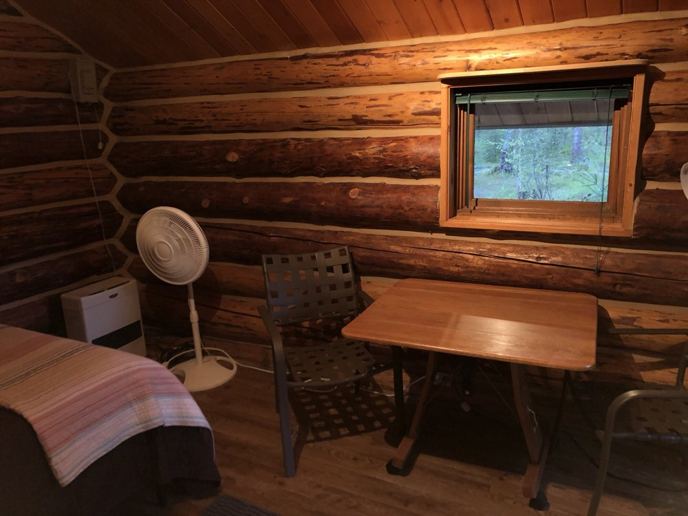 Meandering Moose Lodging: 14677 E Cabin Spike Ave, Talkeetna, AK