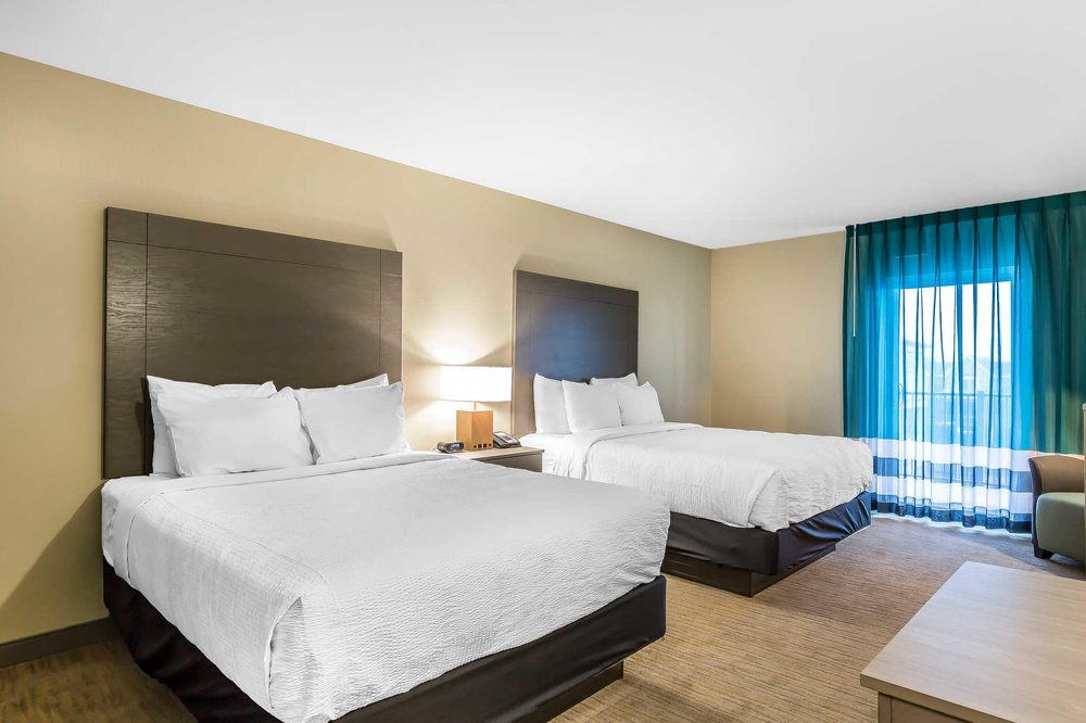 Marina Bay Hotel & Suites, an Ascend Hotel Collection Member: 3801 S Main St, Chincoteague, VA