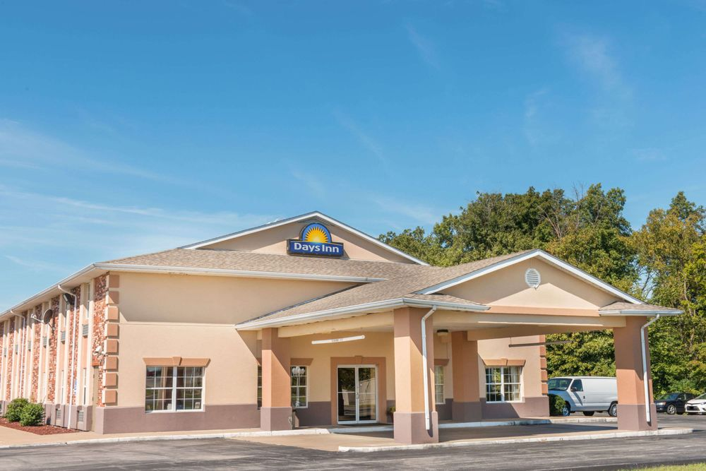 Days Inn by Wyndham Perryville: 1500 Liberty Street, Perryville, MO