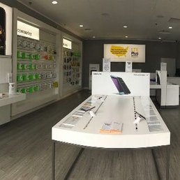 Photo Of Sprint   West Covina, CA, United States. Store Interior