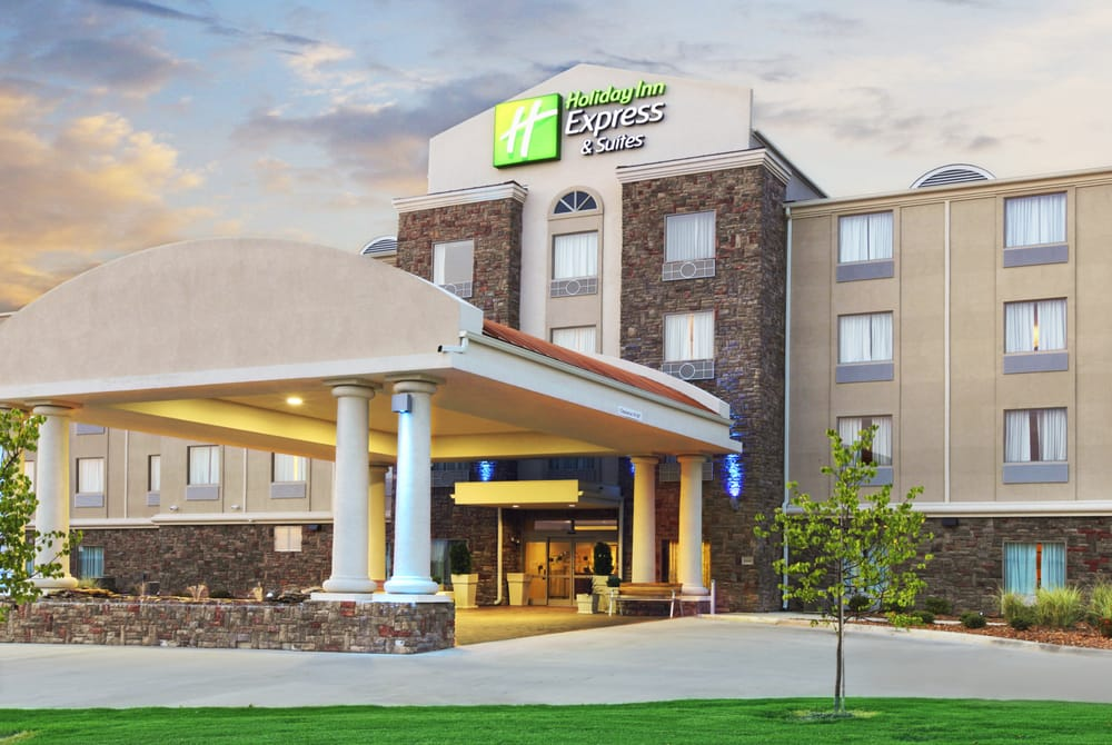Holiday Inn Express & Suites Searcy: 3660 Ferren Trl, Searcy, AR