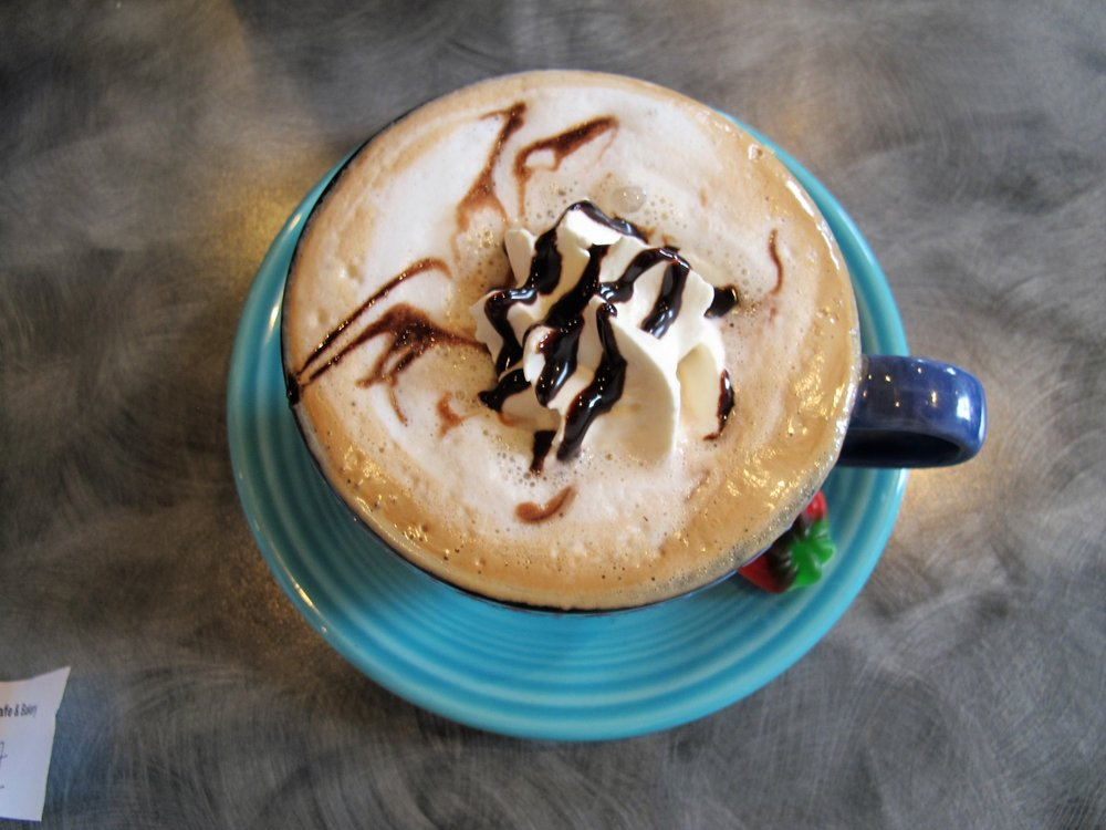 Mamie's Cafe & Bakery: 110 E Allegheny St, Martinsburg, PA