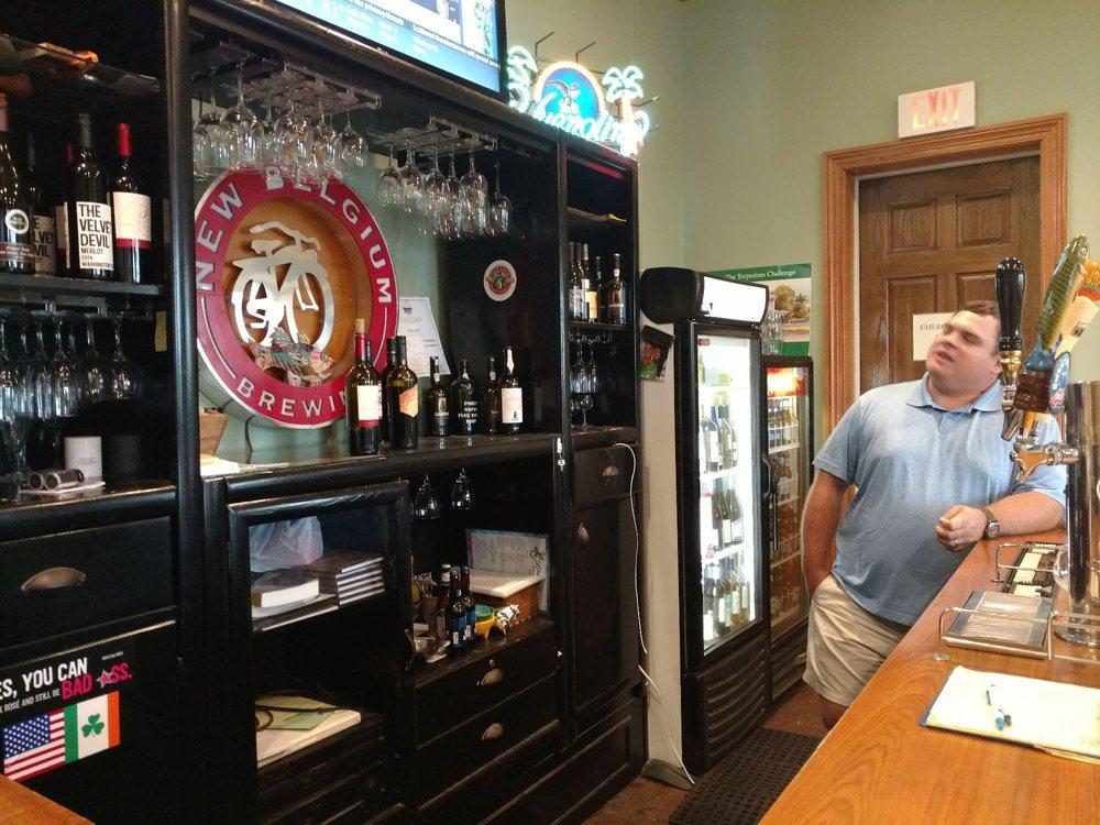 Waterfront Wine & Gourmet: 107 Broad St, Darien, GA