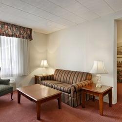 Photo Of Ramada Ligonier Pa United States Enjoy The Sitting Area