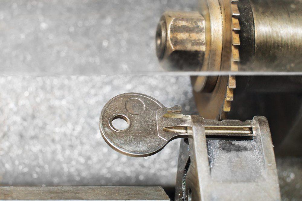 Larry's Lock Service: 550 E North Frontage Rd, Bolingbrook, IL
