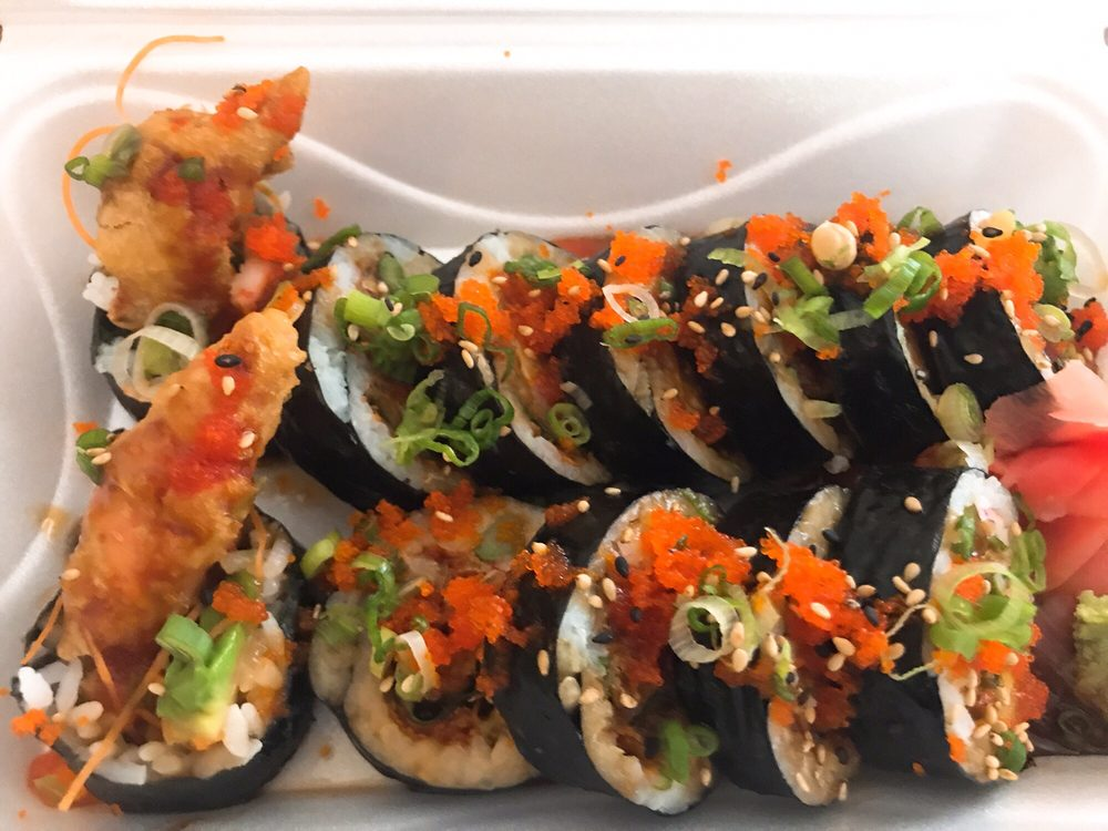 Oishi Sushi & Thai: 3705 Forest Lakes Plz, Oldsmar, FL