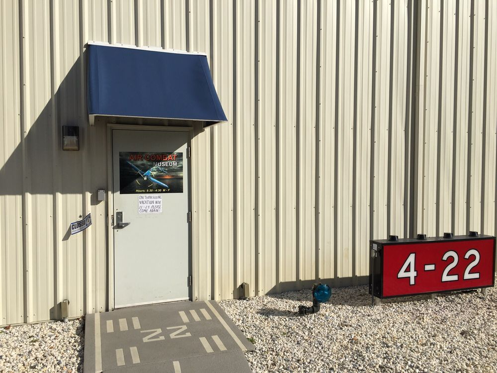 Warbirds: 835 S Airport Dr, Springfield, IL