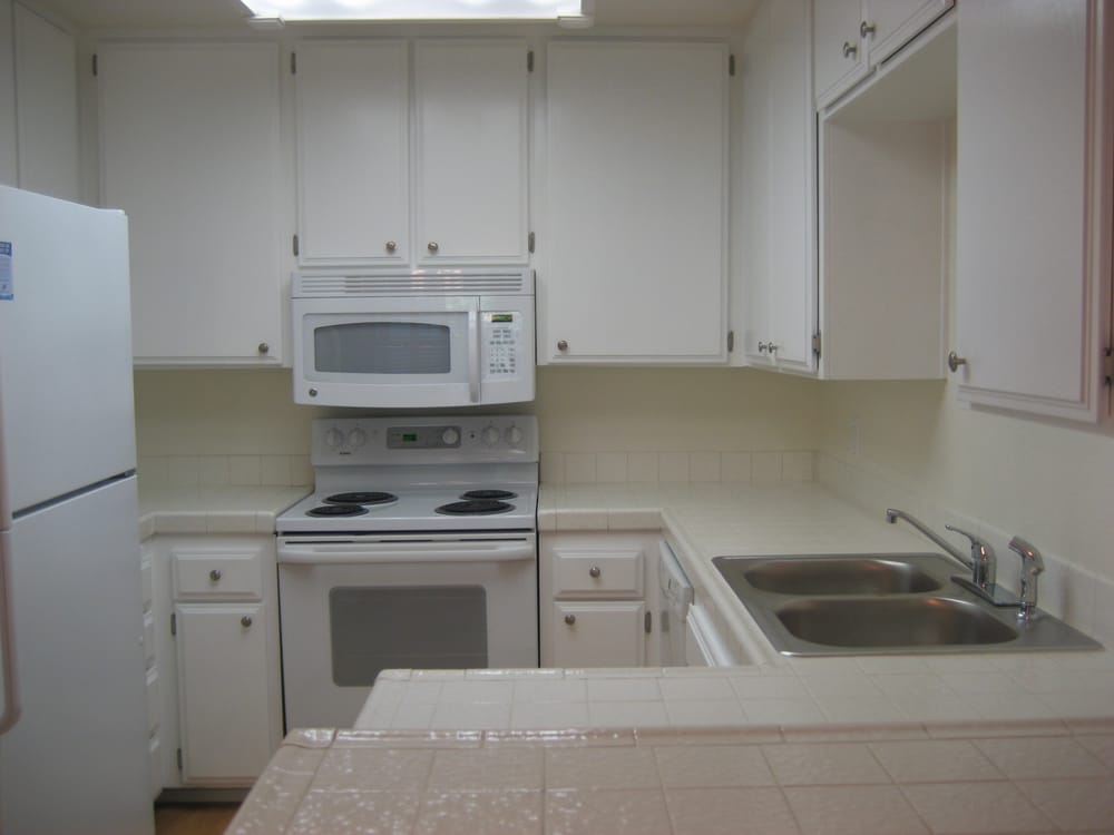Original Ugly Kitchen From 1978 With Very Dated Tiles Yelp