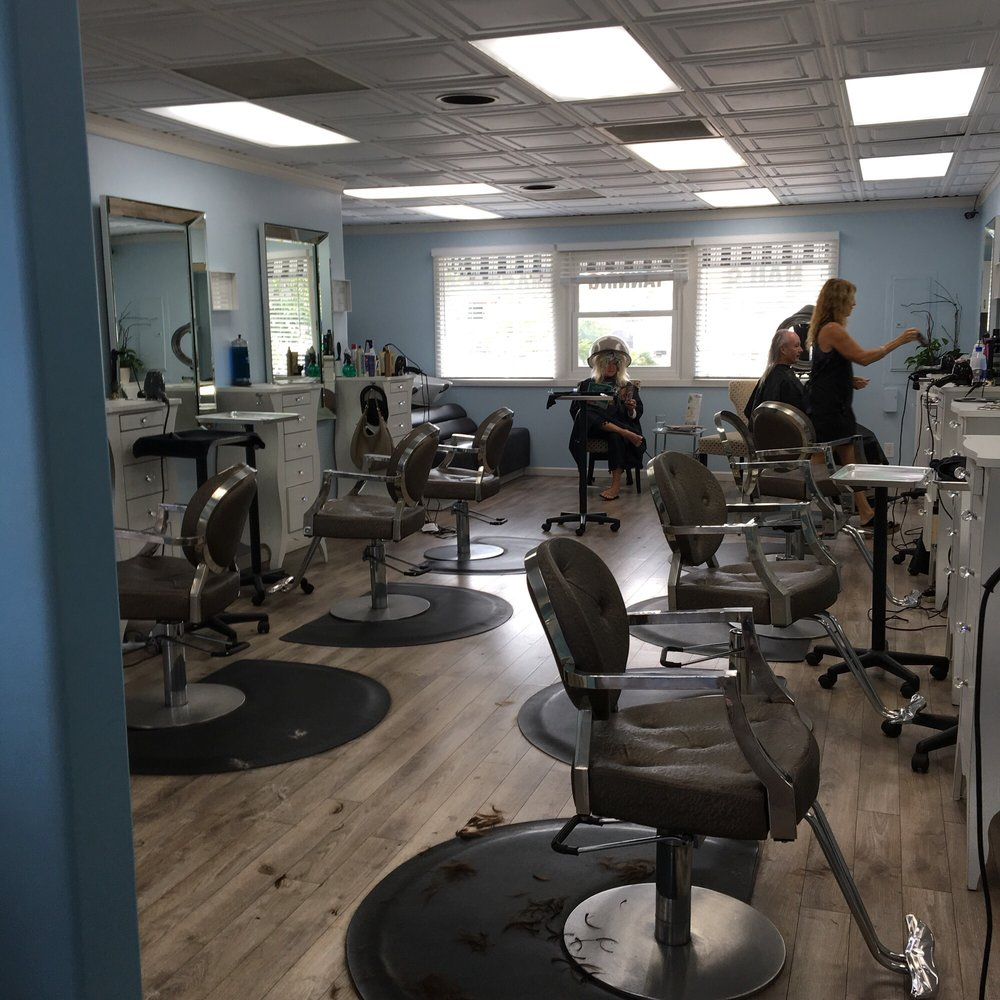 Small but inviting space haute spa salon point loma for A salon san diego