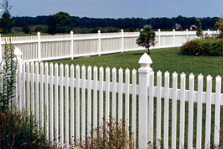 Country Estate Fence: 3353 Marnie Ave, Waterloo, IA