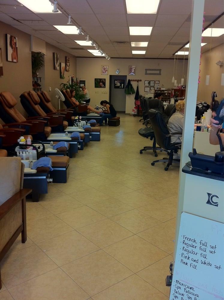 Salon 152 Hair Salons 9328 N Oak Trafficway Kansas