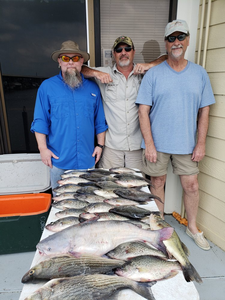 Lake Conroe Fishing Guide - Bradley's Guide Service: 12050 Melville Dr, Montgomery, TX