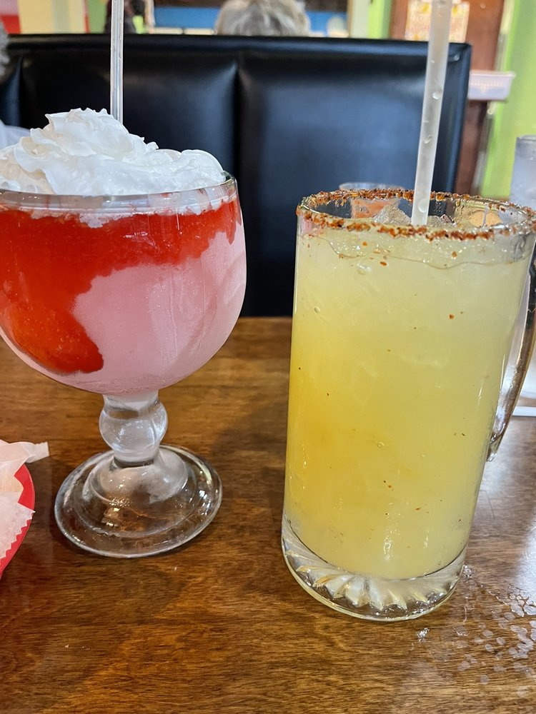 Dos Fronteras Mexican Bar & Grill: 3400 Main St, Parsons, KS