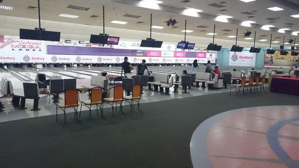 sunway mega lanes   bowling   f1 22 sunway pyramid no 3