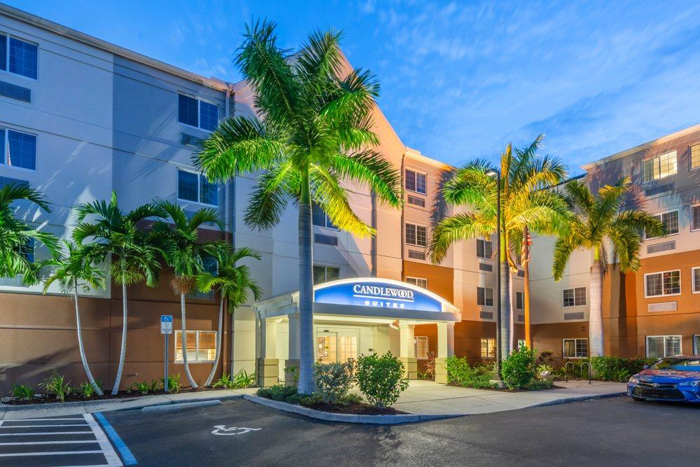 Candlewood Suites Fort Myers-Sanibel Gateway