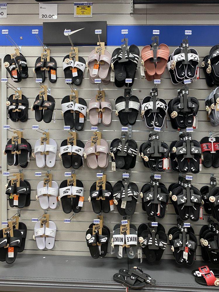 Big 5 Sporting Goods: 3719 E Colorado Blvd, Pasadena, CA