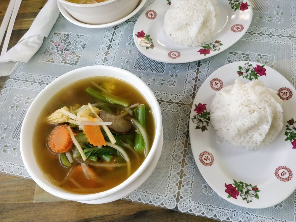 T Garden Thai: 1140 Lincoln Ave, Charleston, IL