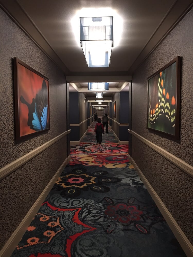 Mandalay Bay 2 Bedroom Suite: Long Walk From The Elevator To Your Room If You Book A