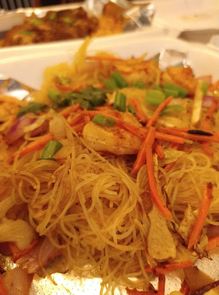 Lola's Filipino-American Eats: 2125 Harkrider St, Conway, AR