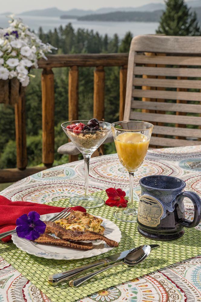 Outlook Inn Bed & Breakfast: 175 Boon Rd, Somers, MT