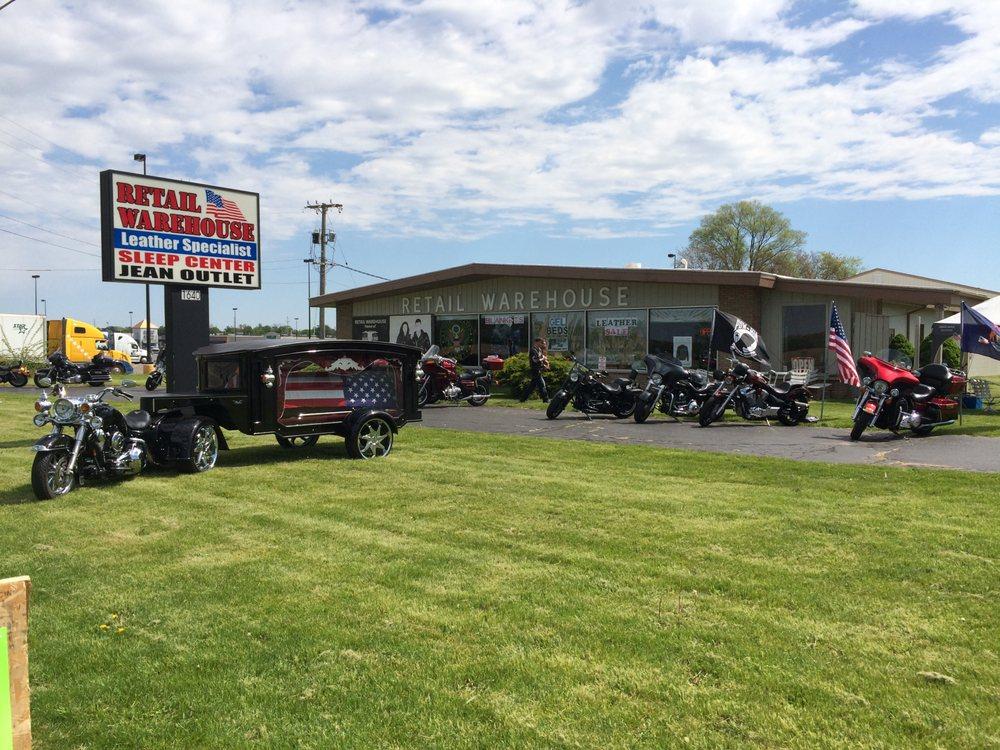 Retail Warehouse: 1640 S Centerville Rd, Sturgis, MI