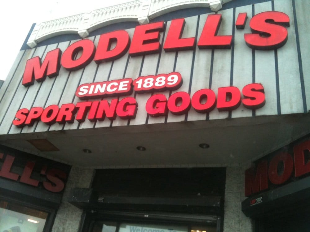 Modells Sporting Goods: 945 White Plains Rd, Bronx, NY
