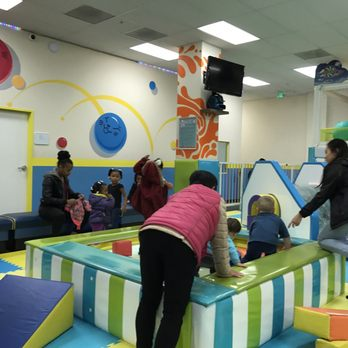Hop-N-Play Indoor Playground - 151 Photos & 167 Reviews - Party ...