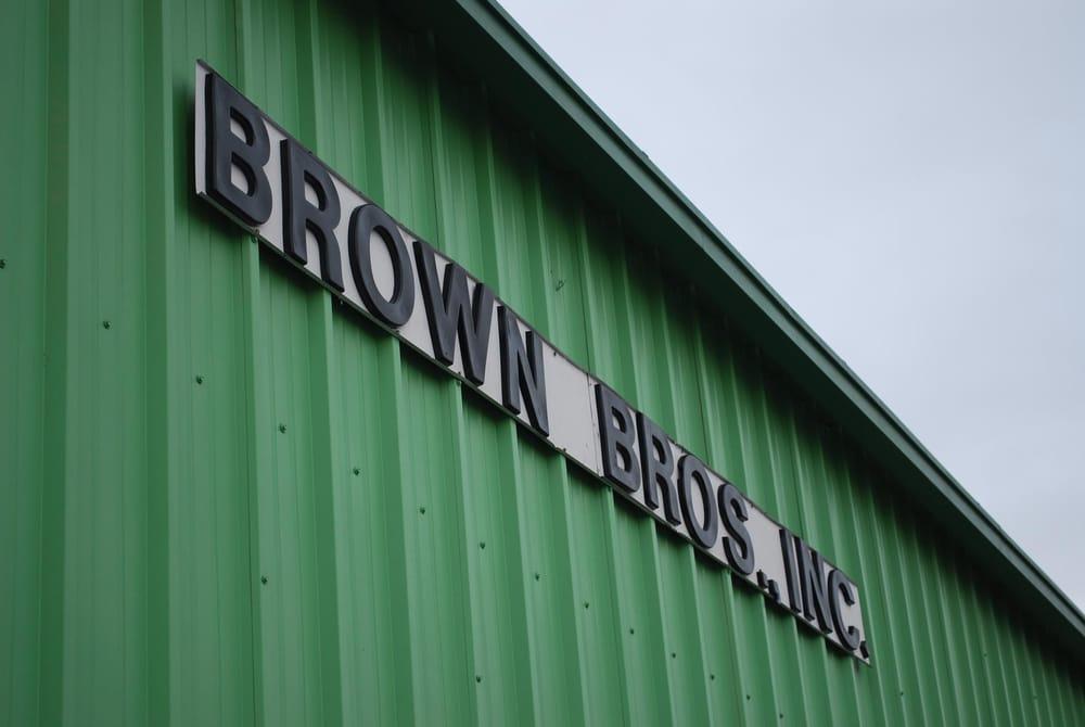 Brown's Automotive: 101 Moore Ave, Smithfield, VA