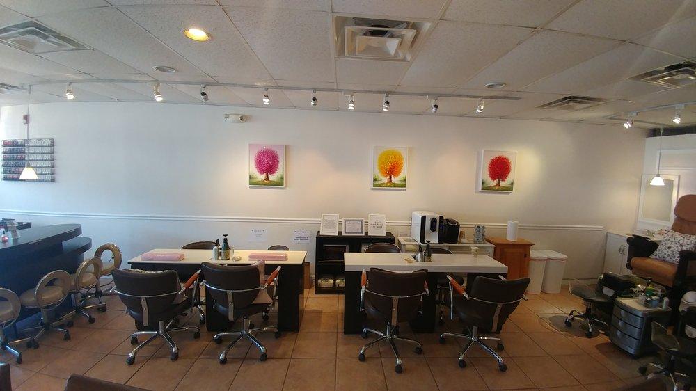 Gallery Nail and Spa: 4 Riverside Sq, Bloomingdale, NJ