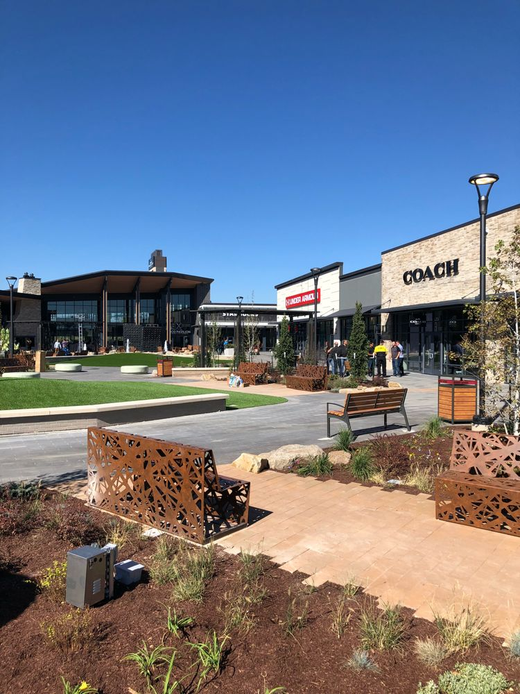 Denver Premium Outlets: 13801 Grant St, Thornton, CO