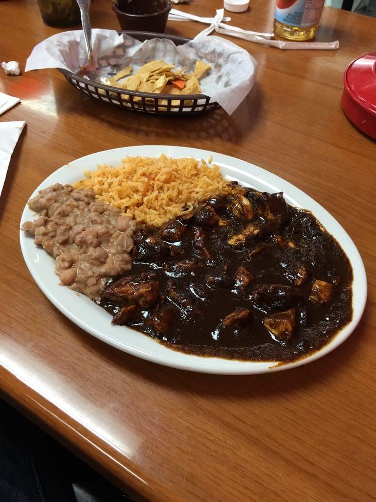Alonso's Tres Rios Restaurant: 801 N 10th St, McAllen, TX