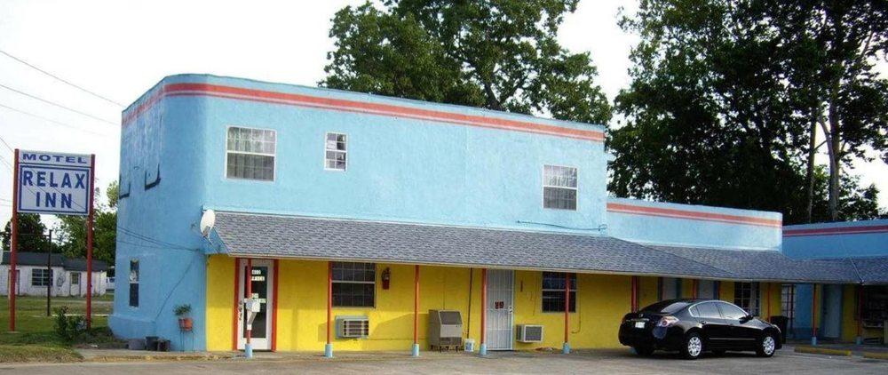 Relax Inn Motel: 402 S Pine St, Kountze, TX