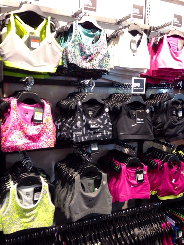 Ala Moana Shoe Stores